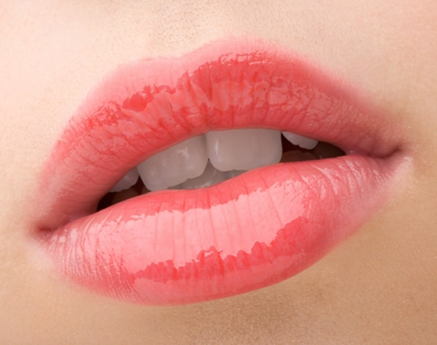 Perfect Beauty Tips For Lips At Home : Get Soft Pink Lips Naturally