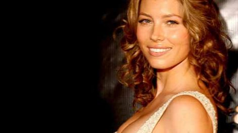 How Jessica Biel Stays Fit- You can be like her too!