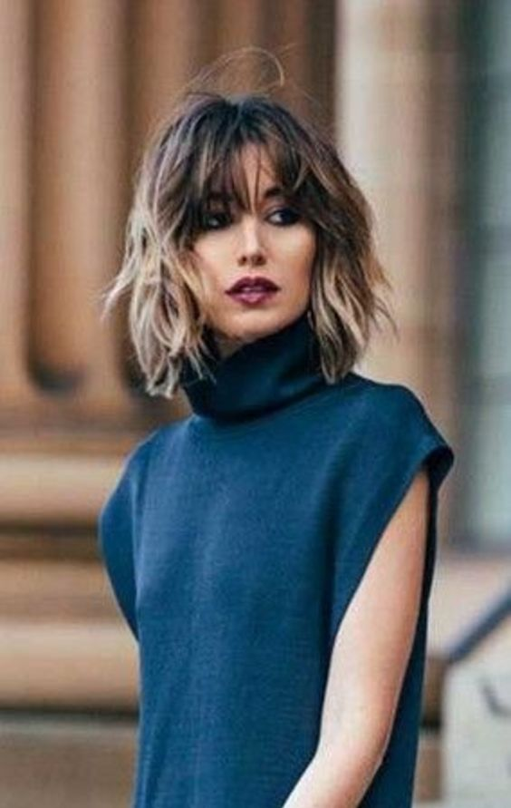 10 Delightful Wavy Short Hairstyles & Haircuts You Will Love (11)