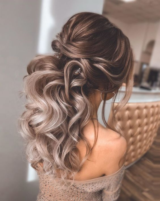 10 Easy Prom Hairstyles To Fulfill Your Fashion Interest (11)