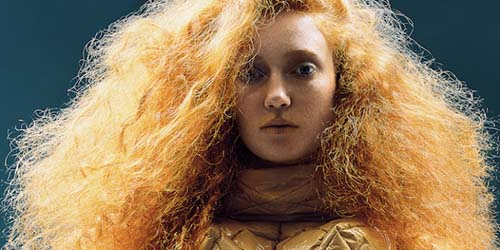 How to Tame Frizzy Hair Naturally : Natural Hair Tips