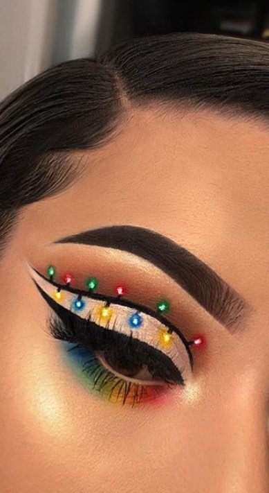 6 Alluring Christmas Eye Makeup Tips to Try This Year