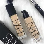 14 Best Foundations for Greasy and Acne Prone Skin for 2020 (18)
