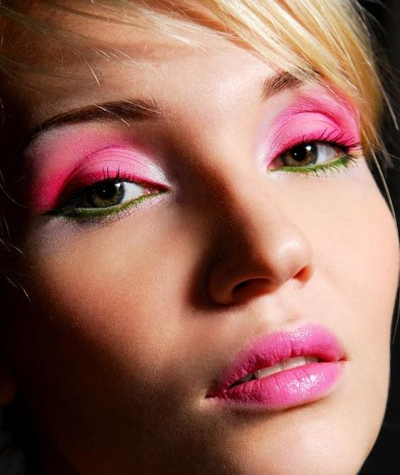 7 Easy to Wear Pink Eye Shadows to Include on Your Spring Makeup You May Wanna Copy (11)