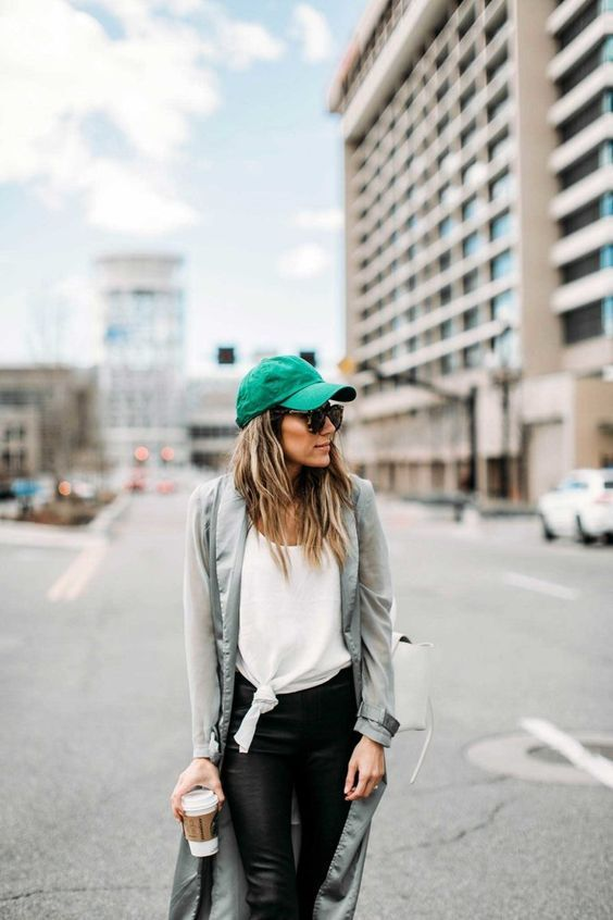 7 Elegant and Classy St. Patricks' Day Woman Outfits for a Night Out (3)