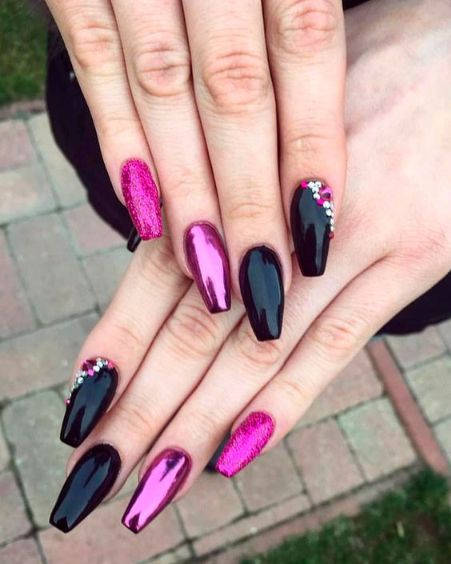 25 Artistic Pink Nail Designs with Glitter Accent You Wish to Wear On!