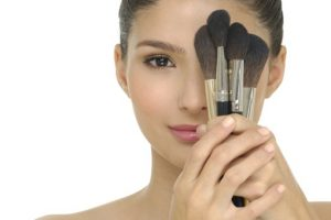 9 Best Cheap Makeup Brushes That Should Be In Your Beauty Routine 2021