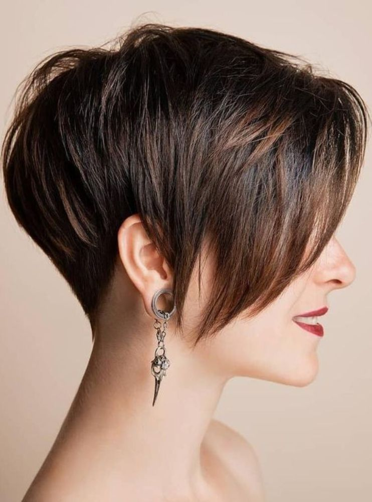 25 Beautiful Short Hairstyles for Thick Hair as Your Desire!