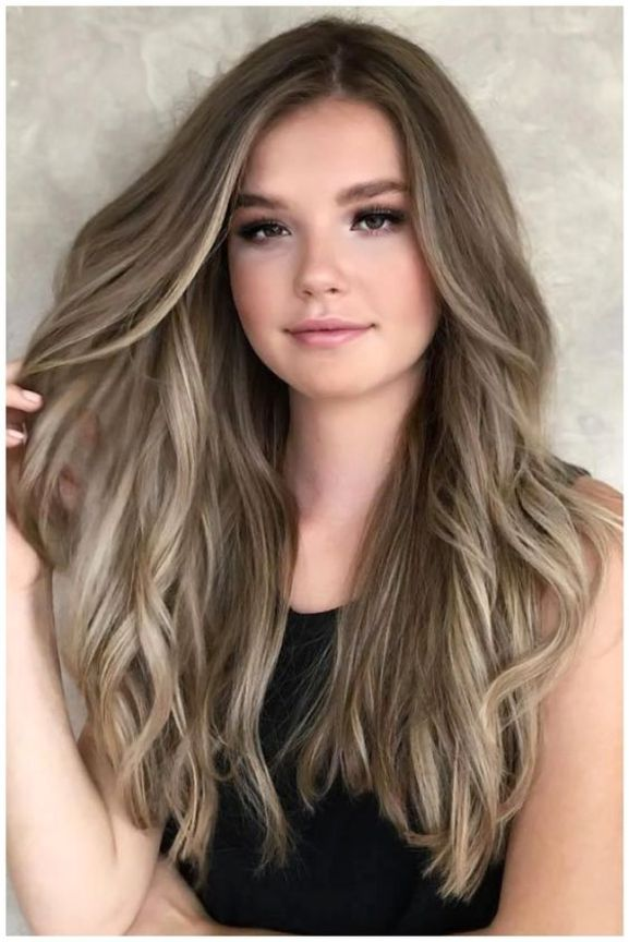 Long Hairstyles With Round Faces For Spring