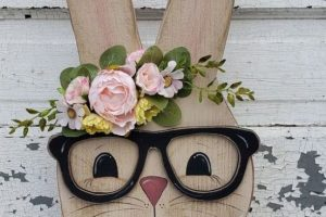 Simple DIY Wood Crafts For Spring