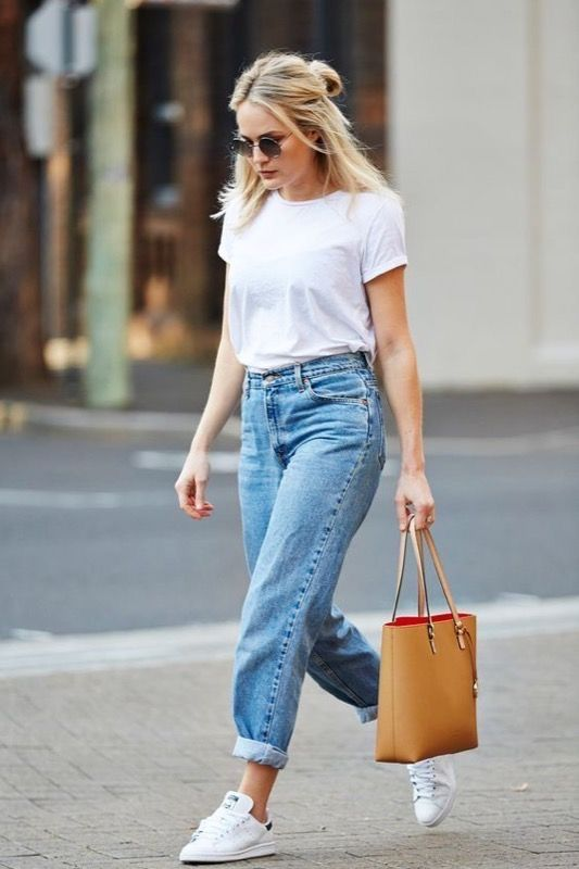 Spring Outfits With Jeans Sneakers